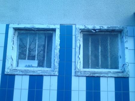 Window Blue & White