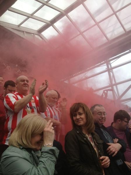 Newcastle V Sunderland Derby 0-3 Red Flare